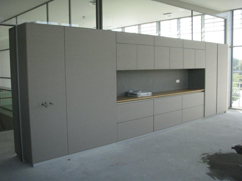 Kast wand panelen gestoffeerd PON Holding Almere